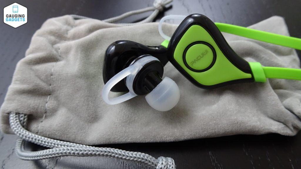 pacuwi bluetooth headphones review gauging gadgets. Black Bedroom Furniture Sets. Home Design Ideas