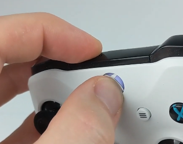 How to Connect Xbox One Controller to iPhone bluetooth pairing mode